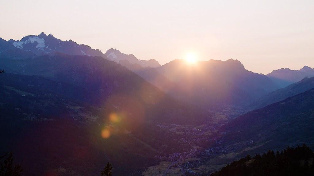 Le soleil ne se couche jamais sur la vie commerçante de Briançon